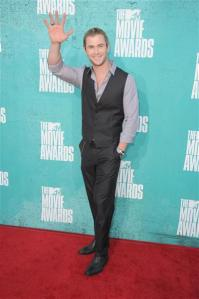 chris hemsworth 2012 mtv movie awards