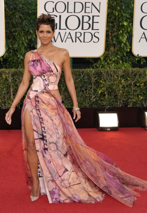 Halle Berry 2013 golden globes