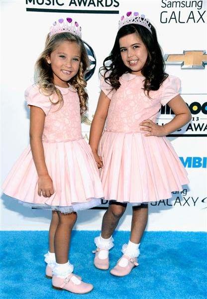 rosie and sophia grace 2013 Billboard Music Awards