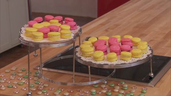Elaine's wonderful Snowball Macarons!